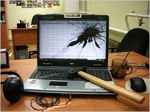 Механическое воздействие на компьютер